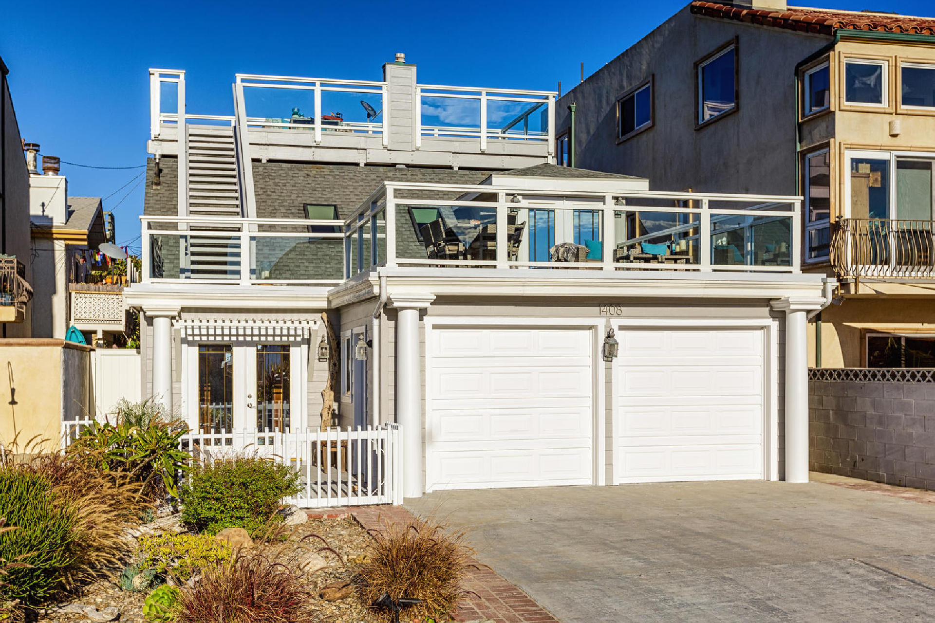 https://addressrealestate.com/media/images/blogs/38/2/b_1-1408-ocean-dr-oxnard-ca-93035-mls-size-001-13-front-of-home-1500x1000-72dpi.jpg