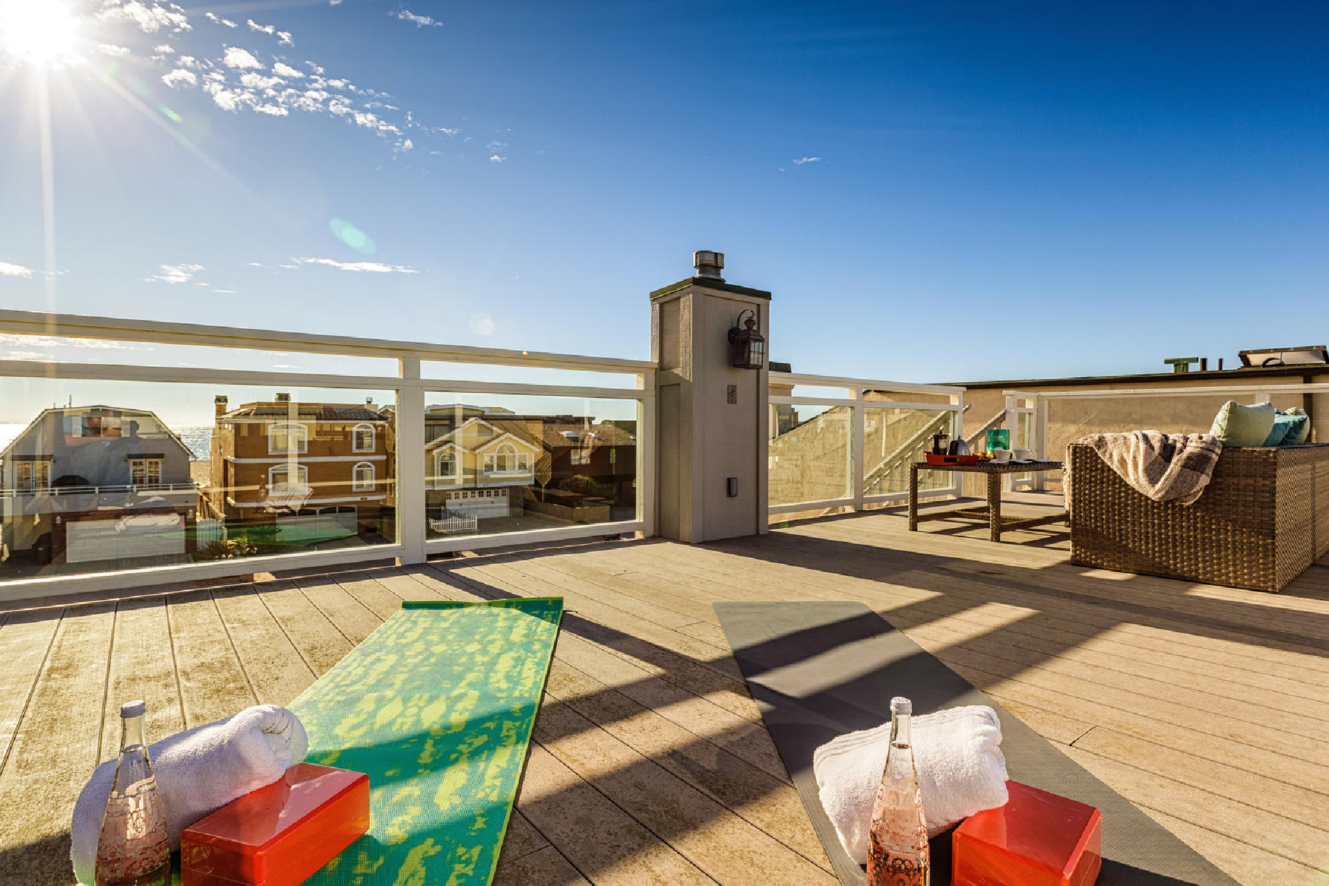 http://addressrealestate.com/media/images/blogs/38/2/b_22-1408-ocean-dr-oxnard-ca-93035-mls-size-022-16-rooftop-patio-1500x1000-72dpi.jpg