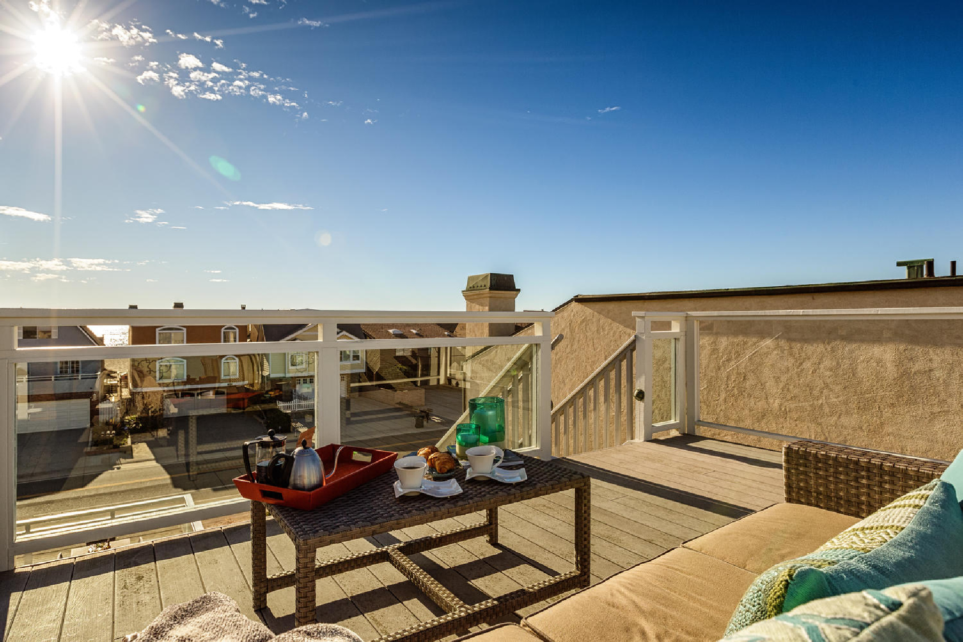 http://addressrealestate.com/media/images/blogs/38/2/b_23-1408-ocean-dr-oxnard-ca-93035-mls-size-023-17-rooftop-patio-1500x1000-72dpi.jpg