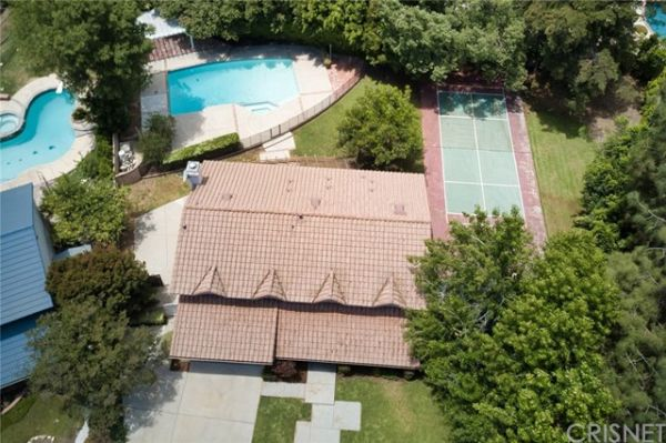10707 Overman Avenue, Chatsworth CA: