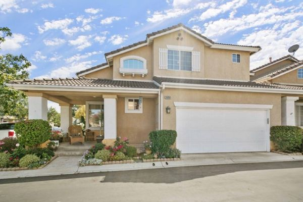 1690 Larksberry Lane, Simi Valley CA: