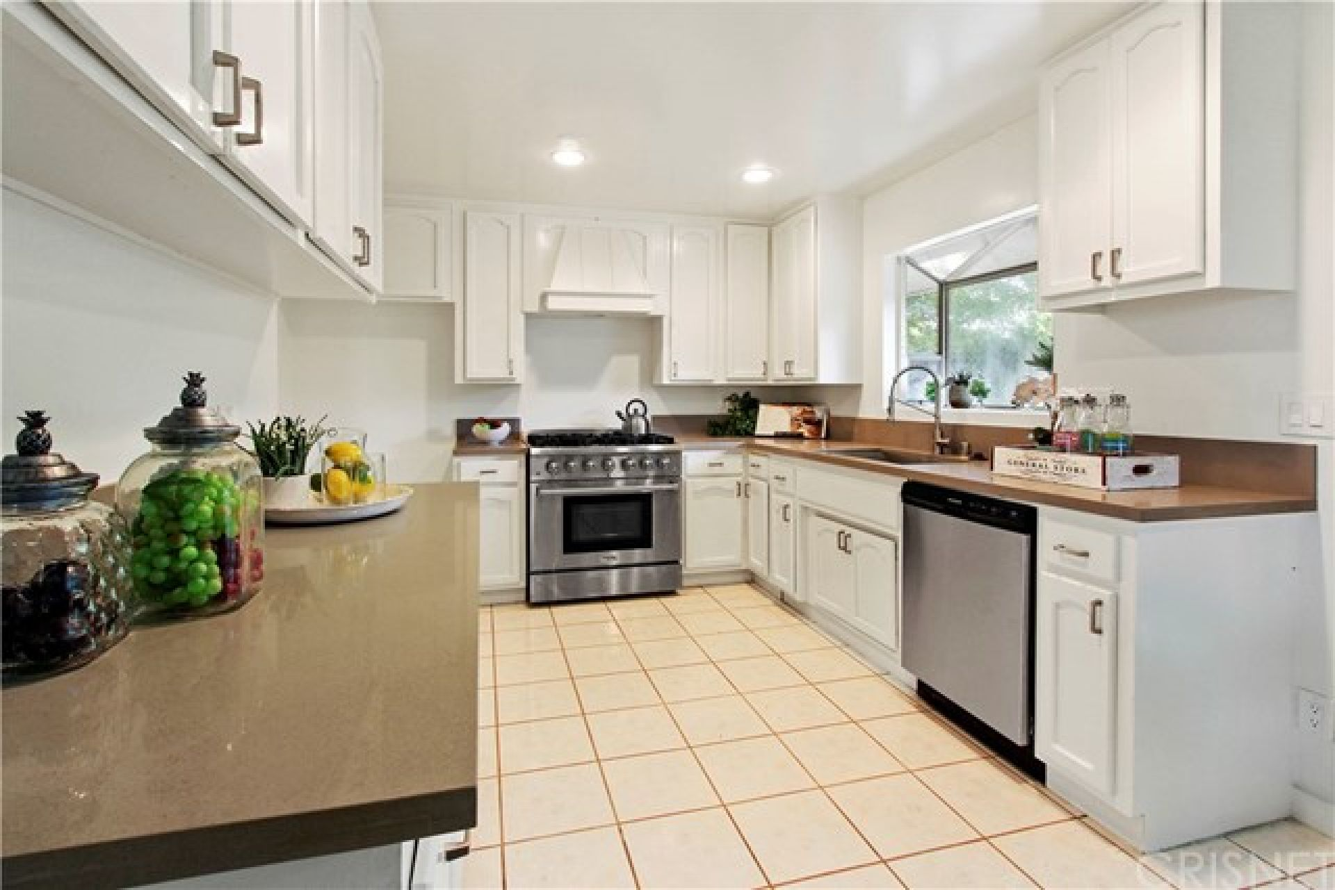 8418 Wilbur Avenue, Northridge CA:
