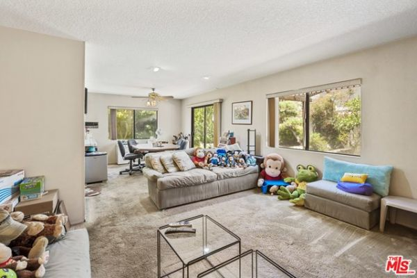 10701 Hepburn Circle, Culver City CA: