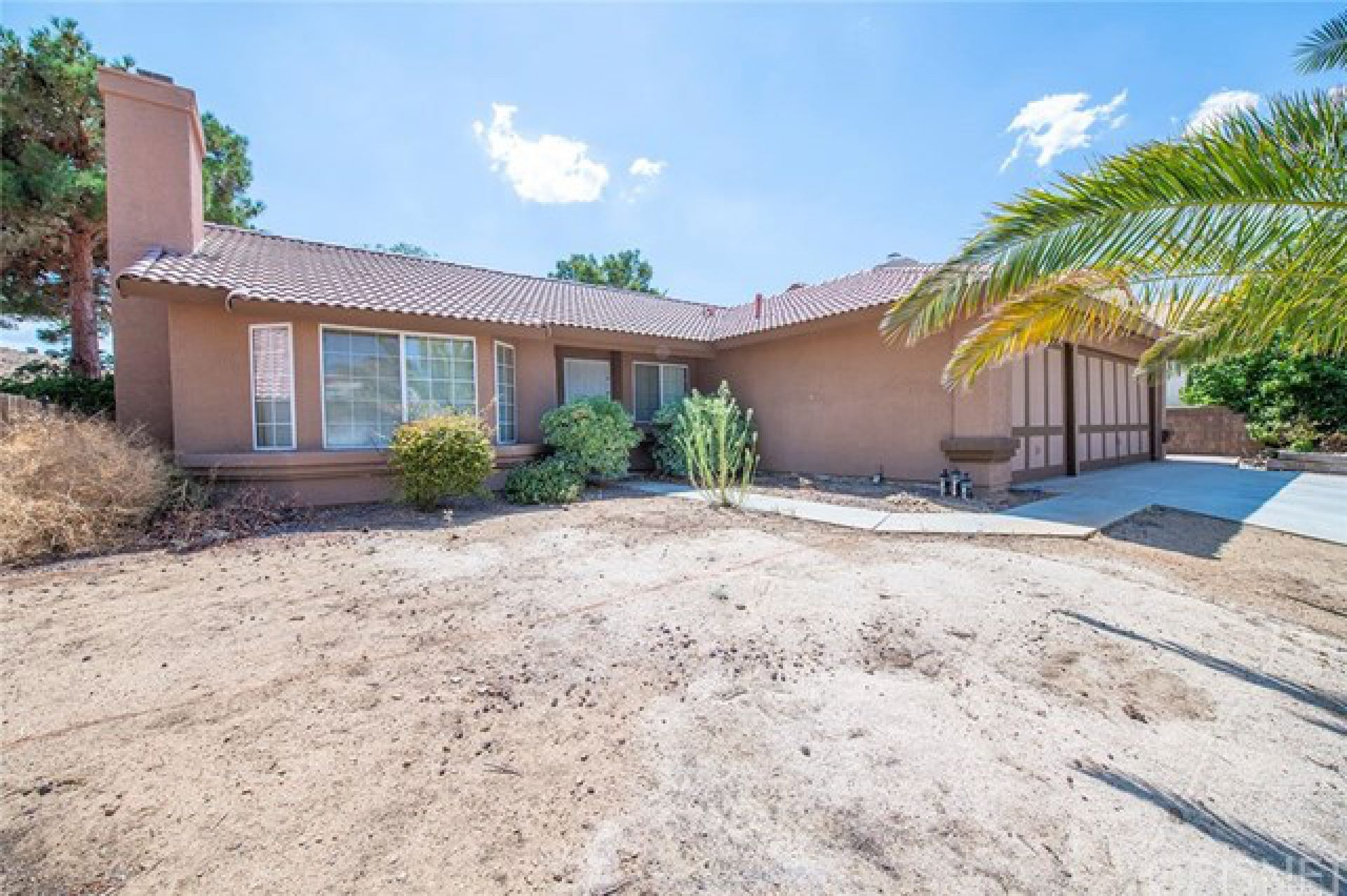 3052 Hampton Road, Palmdale CA: