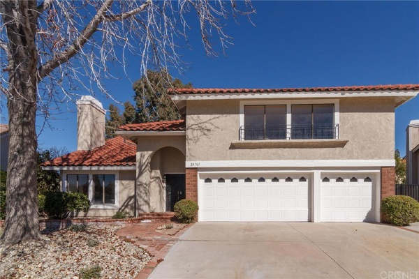 20701 Satinwood Drive, Saugus CA: