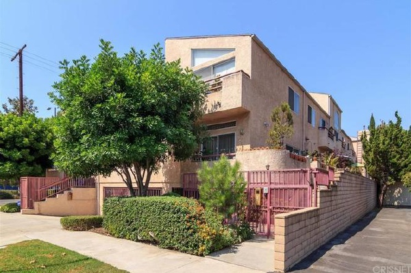 5401 Simpson Avenue, Valley Village CA: