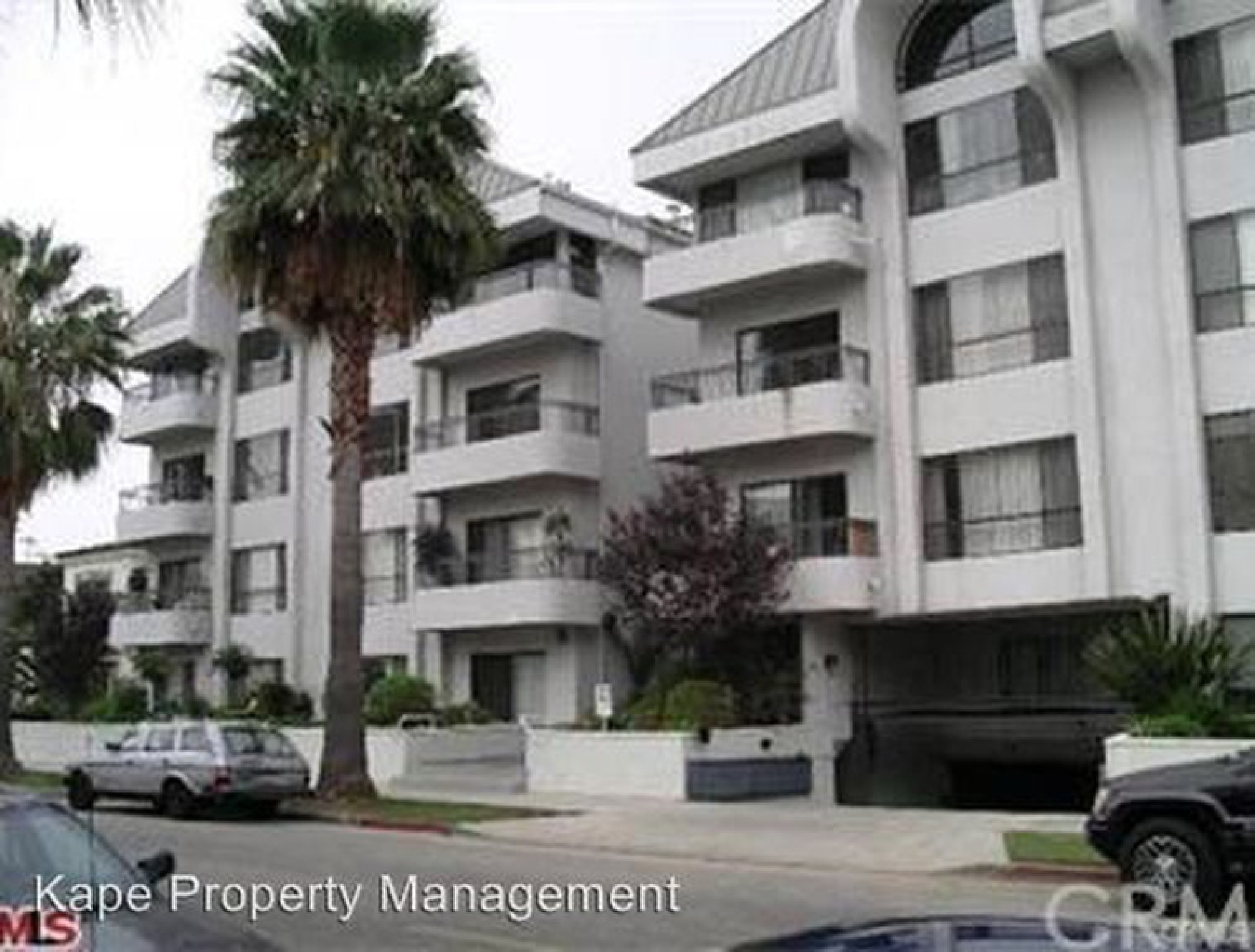 221 S Gale Drive, Beverly Hills CA: