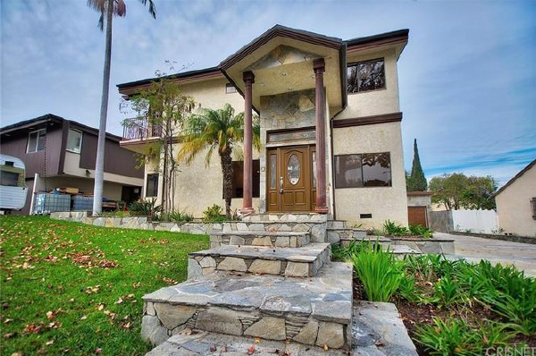 3847 S Burnside Avenue, Los Angeles CA: