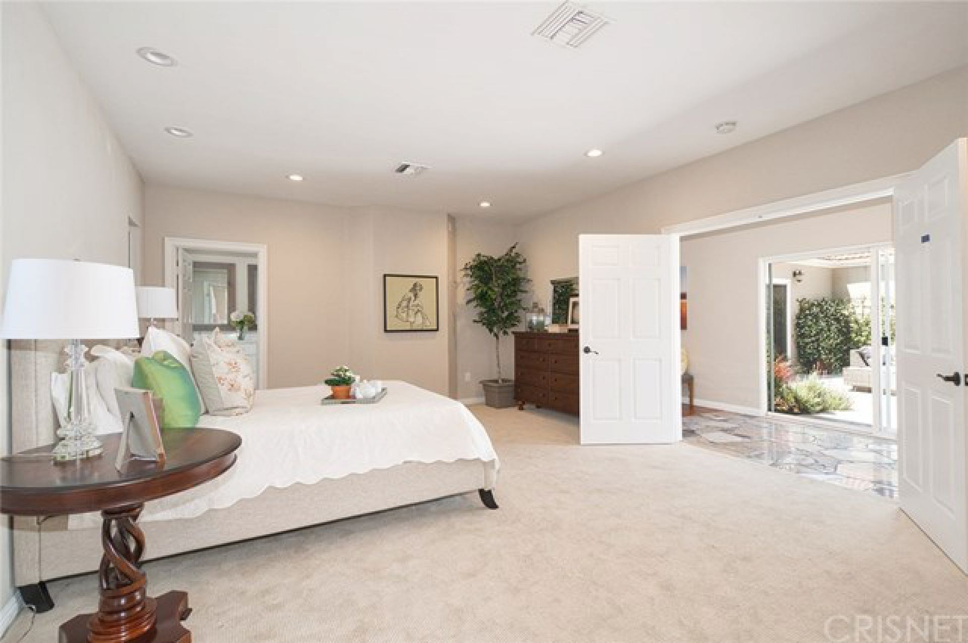 15042 Valleyheart Drive, Sherman Oaks CA: