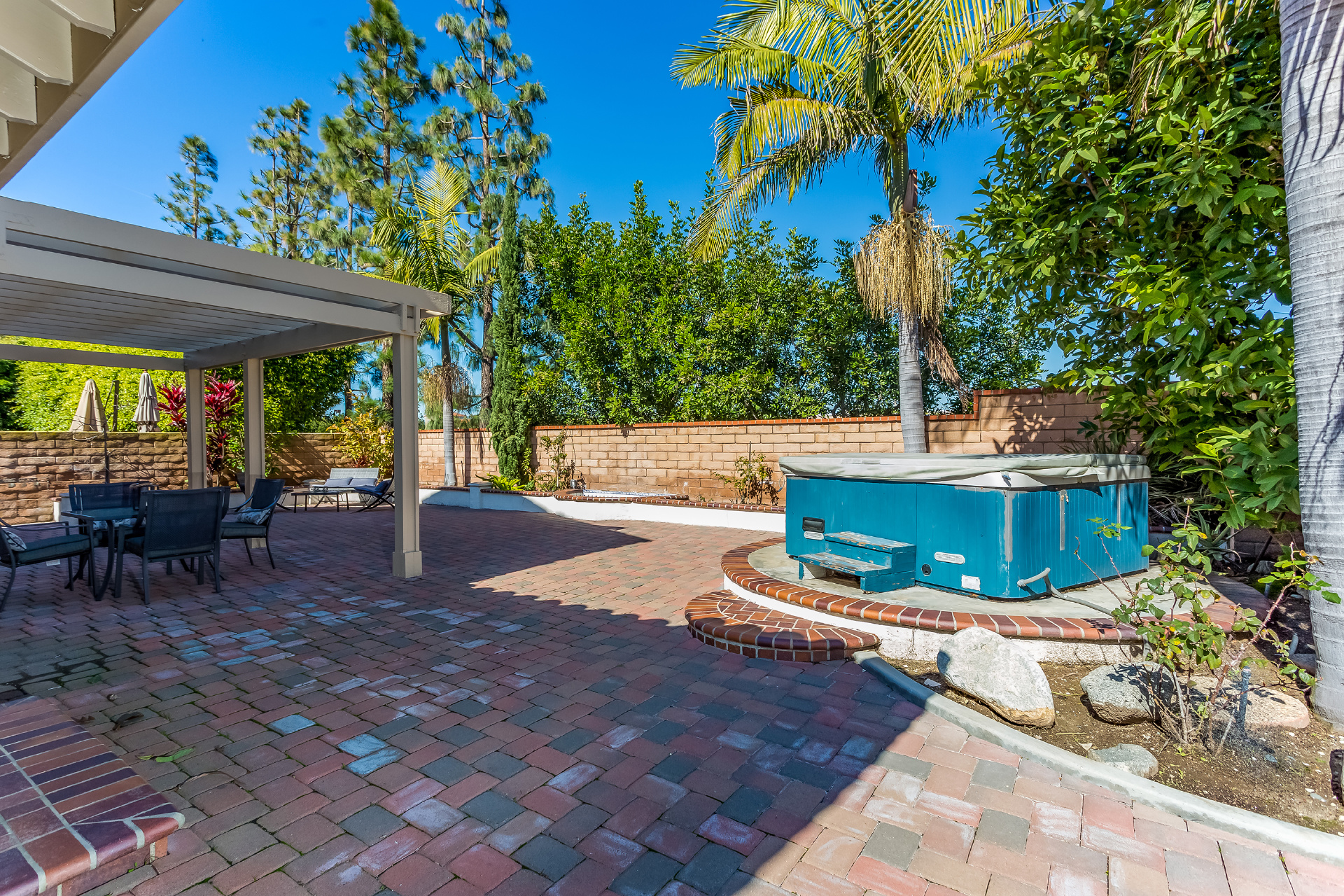 9081 Belcaro Drive, Huntington Beach CA: