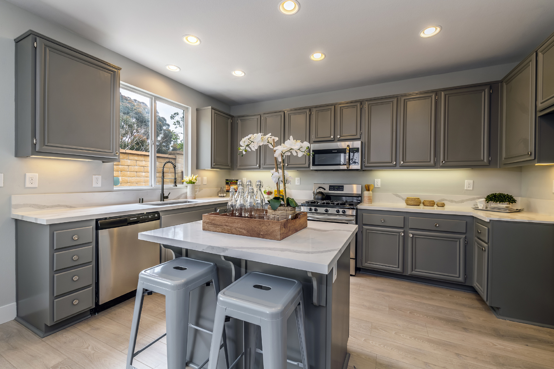2340 Jeans Court, Signal Hill CA: