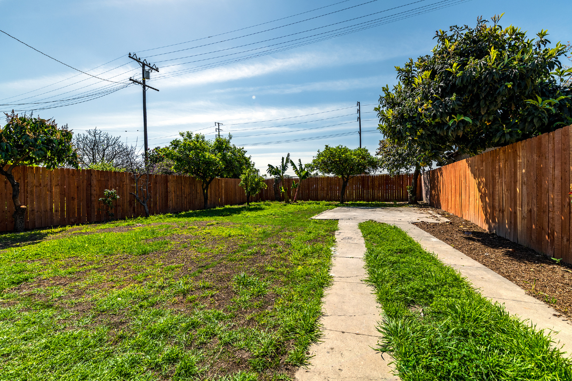 2654 Independence Avenue, Huntington Park CA: