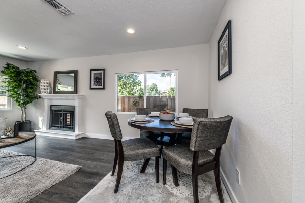 9657 Sunland Place, Shadow Hills CA: