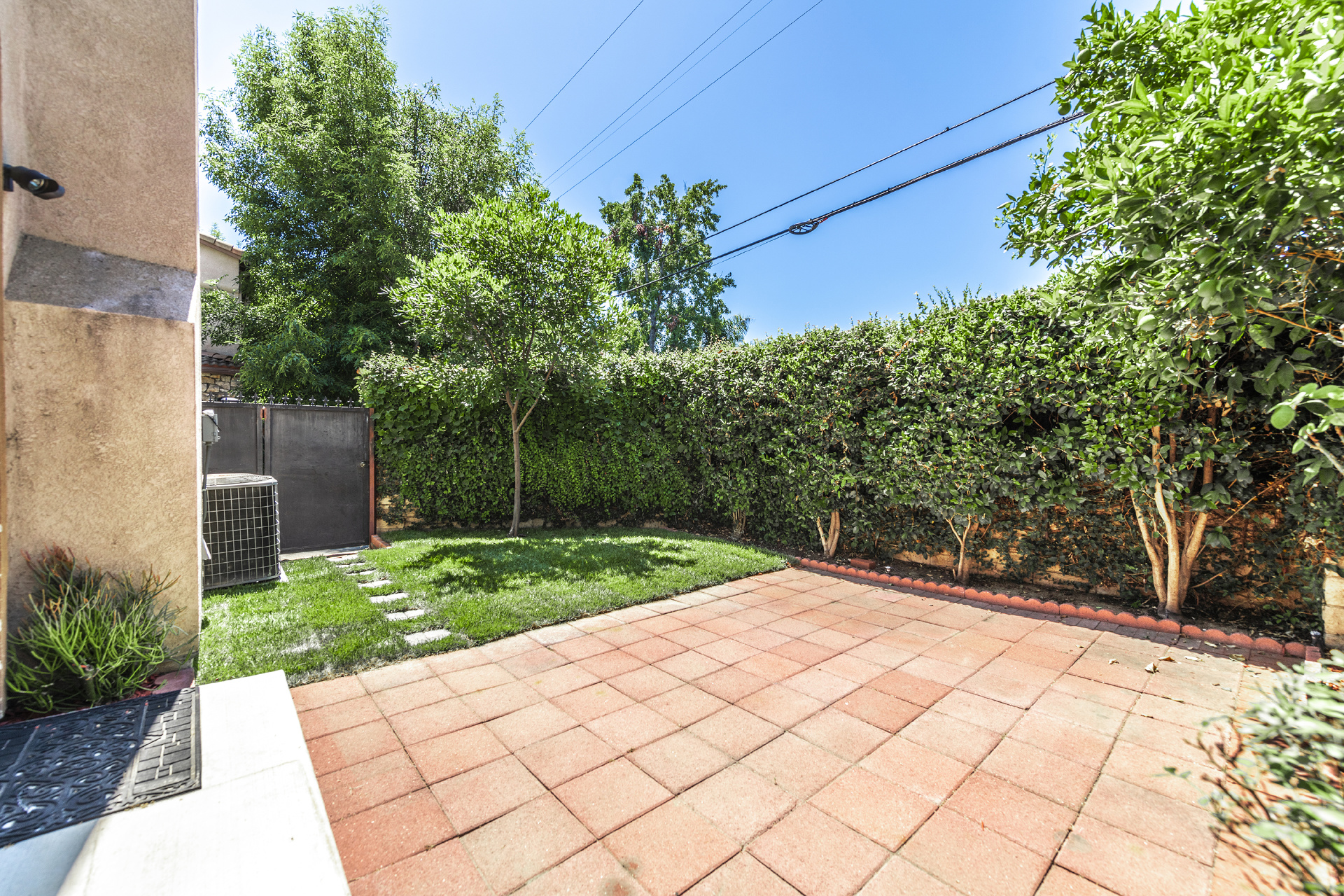 8535 Boeckman Avenue, North Hills CA: