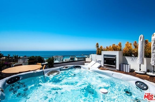 22065 PACIFIC COAST Highway, Malibu CA: