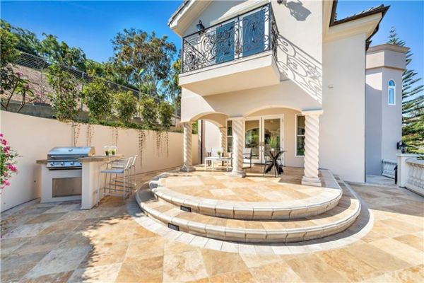 2 Rogers Road, Dana Point CA: